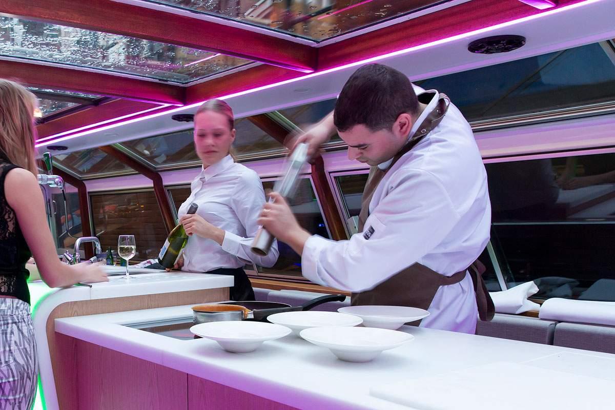 Rondvaartboot Amsterdam Boothuur - LIDO - Bereiden Diner