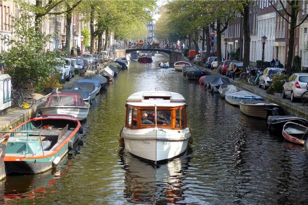 Salonboot_Valerie-Amsterdam_Boothuur-2