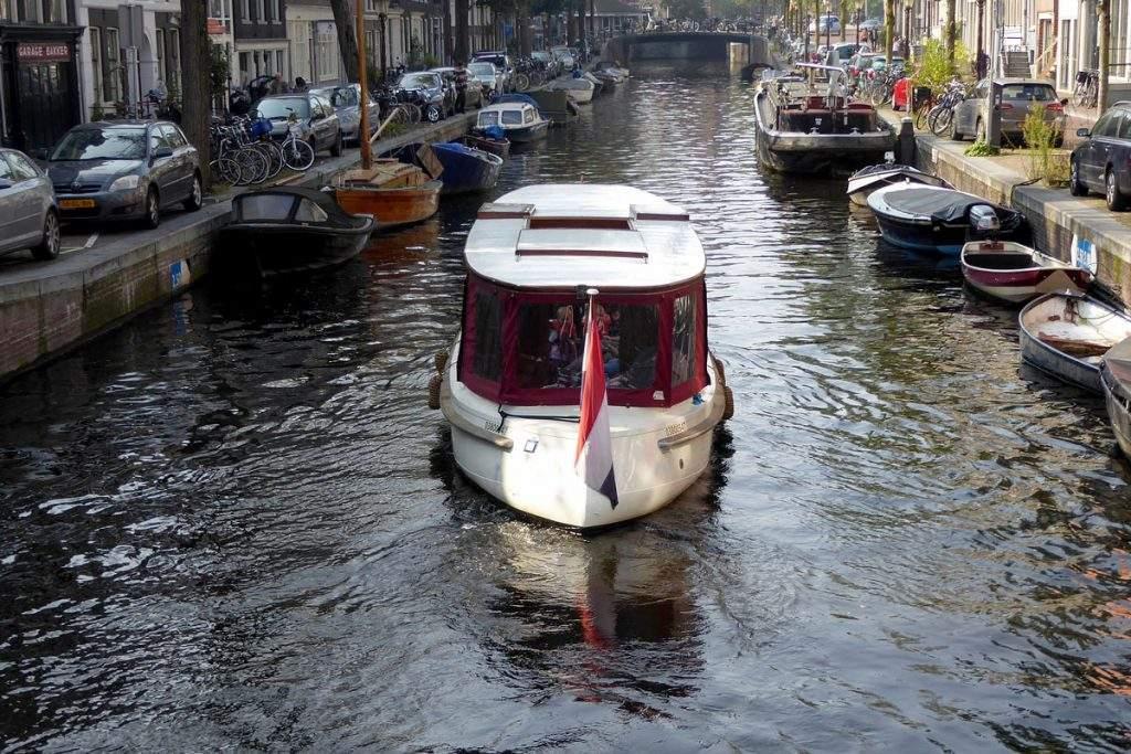Salonboot_Valerie-Amsterdam_Boothuur-5