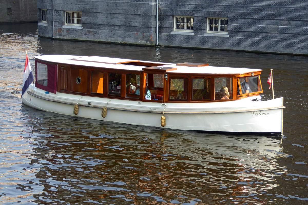 Salonboot huren Amsterdam - Salonboot Valerie