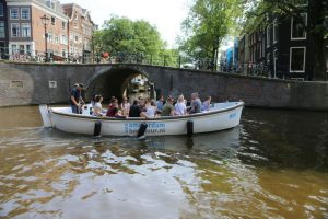 Sloep_Willy-Luxe_Sloep_Amsterdam-Amsterdam_Boothuur-02